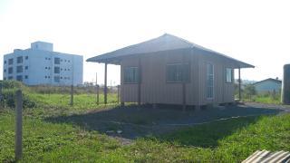 Barra Velha: Casa de madeira com 2 quartos 950 metros do mar, aceito carro como parte de pagamento 3