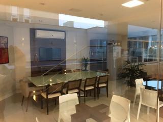 Balneário Camboriú: Excelente apartamento no bairro pioneiros com 2 quartos sendo 1 suite 1