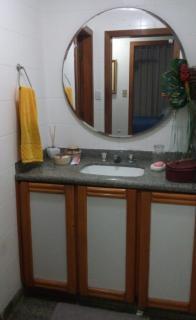 Vitória: Apartamento para venda em Praia do Canto ES, 3 quartos, suíte, 160m2, frente, varanda, dependência de empregada, armários embutidos, 1 vaga de garagem, elevador, piscina, salão de festas, próximo da p 9