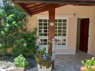 Camaçari: R$ 530.000 Casa Duplex 3/4 no Bosque de Itapuã, começo da rua da Ilha,atrá do Walmart 6