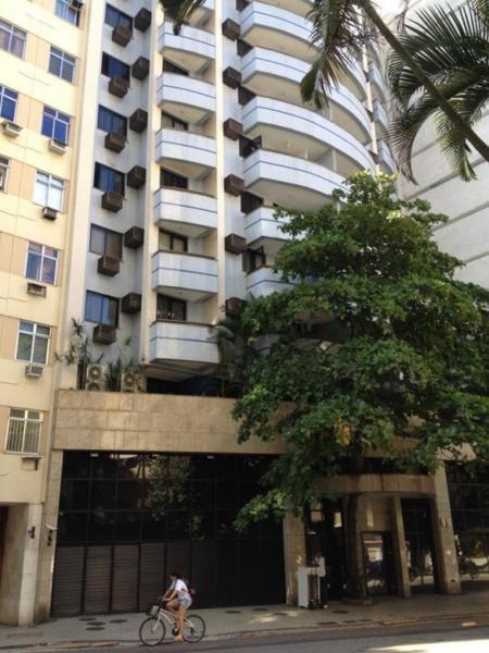 Maricá: Flat C/Varanda Bem Localizado No Copacabana One Flat 2