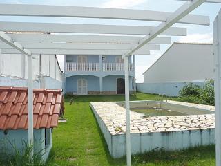 Guaratiba-Maricá, Duplex 3 Qtos, Bem Localizada, Área Gourmet, Acesso A Praia.