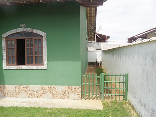 Maricá: Guaratiba-Maricá, Bairro De Praia, Imóvel De Esquina C/2 Qtos (Sendo 1 Suíte). 3