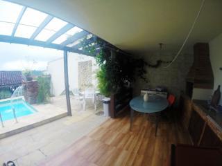 Niterói: Casa para Venda, Niterói / RJ, bairro Badu, 4 dormitórios, 3 suítes, 4 banheiros, 2 vagas de garagens, área construída 120,00 m², terreno 450,00 m²  AMA2437 8