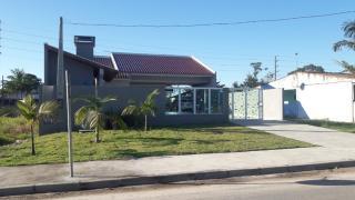 Curitiba: Casa no Balneário de Canoas com Piscina 1