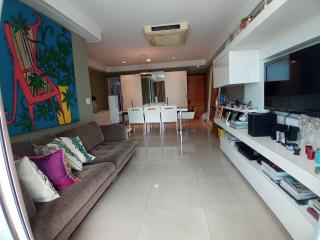 Vitória: Apartamento para venda em Enseada do Suá, Vitória ES, 3 quartos, 2 suítes, 130m2, Sol da manhã, varanda, dependência de empregada, elevador, piscina, salão de festas,  4 vagas de garagem 2
