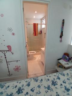 Vitória: Apartamento para venda em Enseada do Suá, Vitória ES, 3 quartos, 2 suítes, 130m2, Sol da manhã, varanda, dependência de empregada, elevador, piscina, salão de festas,  4 vagas de garagem 20
