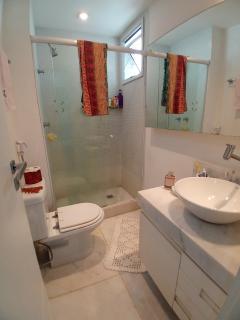 Vitória: Apartamento para venda em Enseada do Suá, Vitória ES, 3 quartos, 2 suítes, 130m2, Sol da manhã, varanda, dependência de empregada, elevador, piscina, salão de festas,  4 vagas de garagem 22