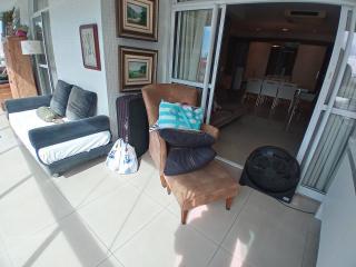 Vitória: Apartamento para venda em Enseada do Suá, Vitória ES, 3 quartos, 2 suítes, 130m2, Sol da manhã, varanda, dependência de empregada, elevador, piscina, salão de festas,  4 vagas de garagem 3