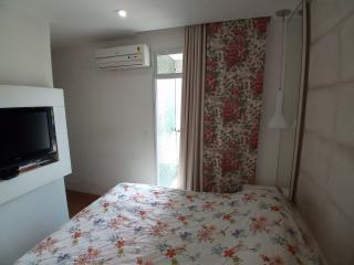 Vitória: Apartamento para venda em Enseada do Suá, Vitória ES, 3 quartos, 2 suítes, 130m2, Sol da manhã, varanda, dependência de empregada, elevador, piscina, salão de festas,  4 vagas de garagem 32