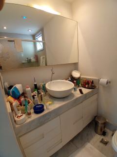 Vitória: Apartamento para venda em Enseada do Suá, Vitória ES, 3 quartos, 2 suítes, 130m2, Sol da manhã, varanda, dependência de empregada, elevador, piscina, salão de festas,  4 vagas de garagem 36