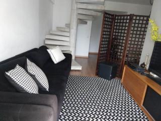Niterói: Cobertura para Venda, Niterói / RJ, bairro Icarai, 4 dormitórios, 2 suítes, 3 banheiros, 1 vaga de garagem, área construída 240 m² AMA2057 3
