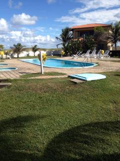 Natal: Apartamento 2/4 mobiliado em RESORT Beira Mar