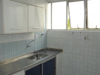 Salvador: Apartamento 3 dormitórios, 135 m²,varanda, vista mar, na Pituba. 4