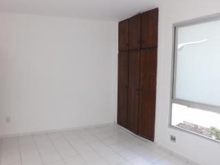 Salvador: Apartamento 3 dormitórios, 135 m²,varanda, vista mar, na Pituba. 8