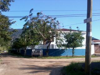 Ubatuba: apto em condominio na praia de Maranduba Ubatuba