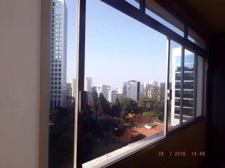São Paulo: Apartamento Amplo e Conservado Bela Vista, Próximo Av. Paulista, Imperdível 1