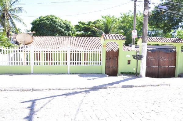 Cabo Frio: Alugo casa com 3 quartos 4