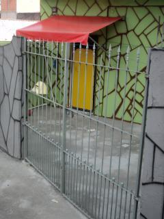 São Paulo: 4 Casas de 2 cômodos e 01 casa de 3 cômodos e Garagem - Jardim Eliana-Perto do ponto final 3