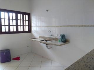 Itanhaém: Sobrado com três dormitórios/ duas suítes a 200 metros da praia 4