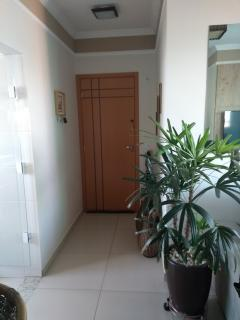Uberlândia: Apartamento com varanda Goumert no Santa Mônica próximo à UFU 1