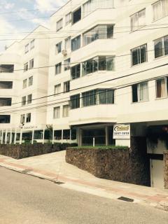 Florianópolis: Apartamento em Coqueiros com 3 quartos, sendo 1 suíte 2