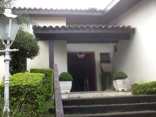 Cotia: Casa magnifica no miolo da Granja Viana 1