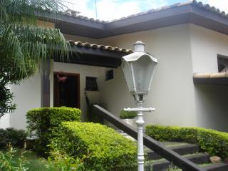 Cotia: Casa magnifica no miolo da Granja Viana 7