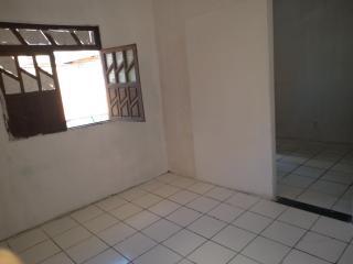 Salvador: Casa 2 quartos - Estrada das Barreiras 5