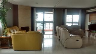 São Paulo: Apartamento no Panamby com 3 suítes, 4 banheiros e 4 vagas! 160m² 2