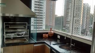 São Paulo: Apartamento no Panamby com 3 suítes, 4 banheiros e 4 vagas! 160m² 4