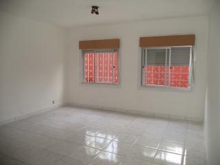 Porto Alegre: Apartamento com 2 dormitórios. 8
