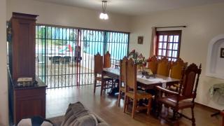 Brasília: Vendo a minha casa, mobiliada, no Lago Sul, 4qts(3sts), piscina, churrasqueira, pomar, apartamento independentes no sotão. 5