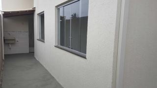 Igarapé: Casa em Igarapé, Bairro Roseiras 2 quartos 4