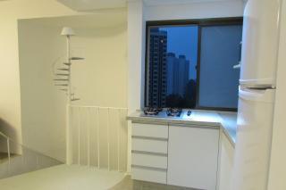 São Paulo: Apartamento duplex mobiliado com varanda e vaga coberta 3