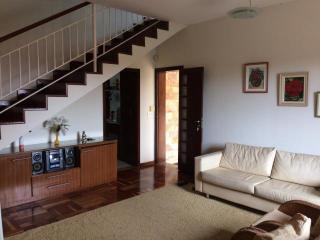Lagoa Santa: Linda casa de 2 pavimentos, 04 quartos, suite, closet, hidromassagem e armários planejados- Grande Oportunidade!! 2