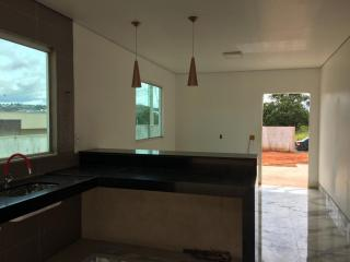 Lagoa Santa: Casa nova, 03 quartos, suite, lote de 525,00m² em condomínio fechado 3