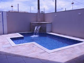 Peruíbe: Casa com piscina em Peruibe 1