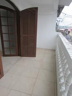 Barueri: Vendo excelente sobrado com 4 quartos e 4 banheiros (ideal ara grandes famílias) 2