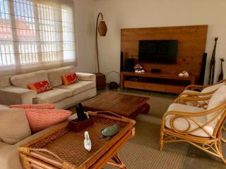 São Francisco do Sul: Vendo Casa na praia de Itaguaçu em São Francisco do Sul, a 140mt do mar, ótima localização 3 quartos 2 vagas de garagem 4