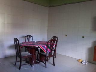 Guarulhos: Casa térrea em Guarulhos, 03 dormit, quintal enorme, garagem para caminhão! 2