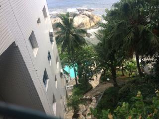 São Vicente: Apto na Ilha Porchat, frente ao mar, cozinha mobiliada, ar cond. salão de festas, churrasqueira 7