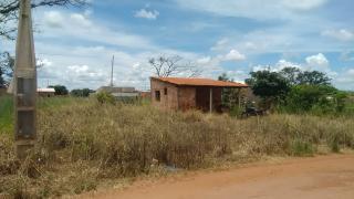 Uberlândia: Vendo Terreno no condominio Santa Vitoria 2