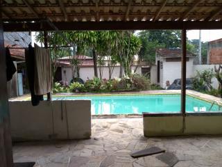 Niterói: Casa padrão térrea com piscina grande 2