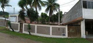Niterói: Casa padrão térrea com piscina grande 3