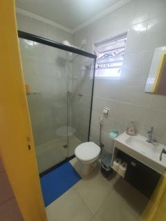 Santos: Apartamento 2 quartos, suite e WC social, reformado, garagem demarcada, bx condominio, bem localizado 3