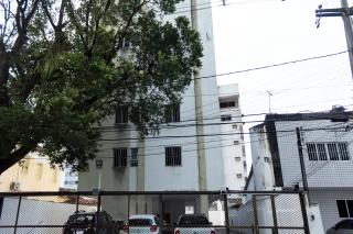 Recife: Apartamento padrão com 3 quartos e sala com dois ambientes na Madalena 1