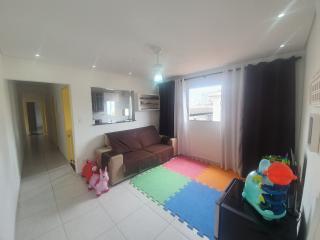 Santos: Apartamento 2 quartos, suite e WC social, reformado, garagem demarcada, bx condomínio 1