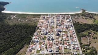 Governador Celso Ramos: Apartamento a poucos metros do mar. 2