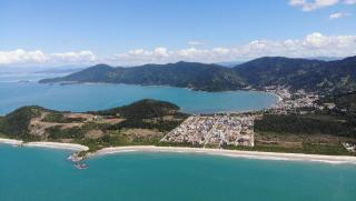 Governador Celso Ramos: Apartamento a poucos metros do mar. 3